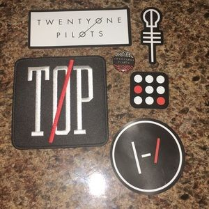 Twenty One Pilots Patch, Magnets, and Button |-/